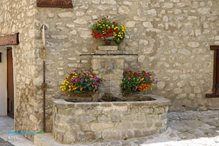 Allos, fontaine