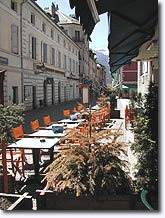 Barcelonnette, terrasses de restaurants