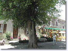 Braux, place du village