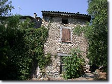 Le Castellet, typical stone-built house