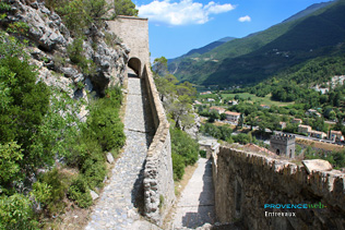 Entrevaux, path to the  fortres
