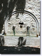 Esparron de Verdon, fountain