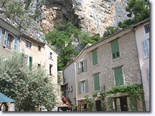 Moustiers, houses