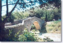 Oraison, roman bridge
