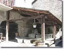 Seyne les Alpes, wash-house
