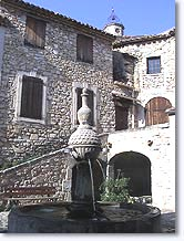 Sigonce, fountain in the village