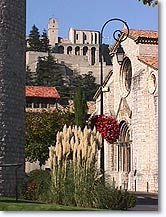 Sisteron, churchs
