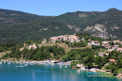 Saint Julien du Verdon, marina on the Castillon Lake