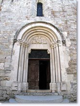 Aspres sur Buech, church door