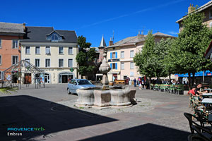 Embrun, the fountain on main square