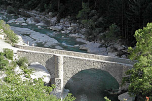 Bridge over Meouge river