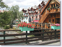 Serre-Chevalier, chaletsand flowered balconies