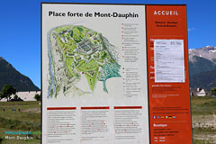 Mont-Dauphin, information boards, click to enlarg