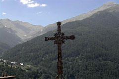 Orcieres, cross in the mountain