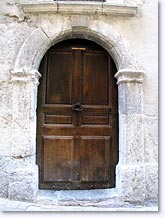Orpierre, old door