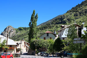 Vars, in the village