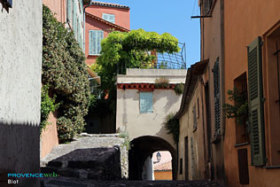 Biot - Photos HD