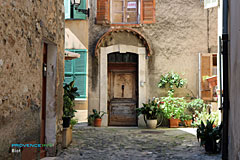 Biot - Typical door