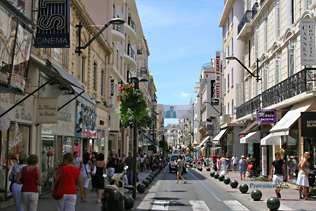 Cannes, rue commercante