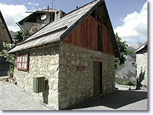 Chateauneuf d'Entraunes, typical mountain house