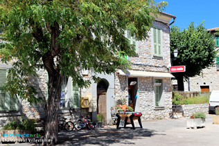 Chateauneuf Villevieille, Bar-tabac