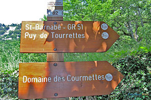 Courmes, long range hiking paths directions