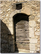 Courmes, ancient door