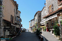 Gourdon, street and shops