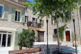 La Colle sur Loup, small square