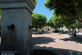 Mouans Sartoux, square and fountain