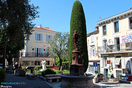 Mougins, square