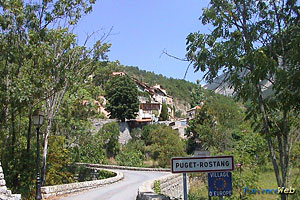 Puget Rostang, reaching the village