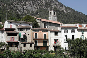 Roquesteron, le village