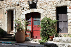 Tourrettes sur Loup, typical house