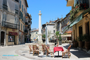 Vence, square and fountain
