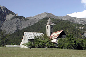 Villeneuve d'Entraunes, church and landscape