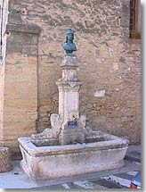 Cornillon Confoux, fountain