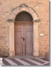 Cornillon Confoux, door of the church