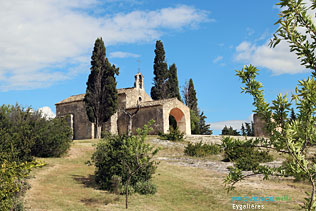 Eygalieres, Sainte Sixte chapel and 27 HQ Photographs