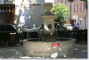 Gréasque fountain
