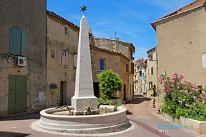 Istres, fountain