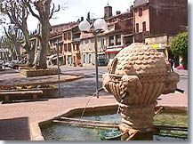 Jouques - Fountain