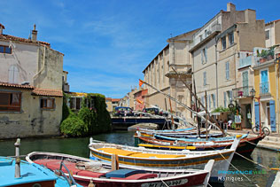 Martigues, typical boats and16 HQ Photographs