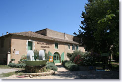 Mouriès, moulin à olives