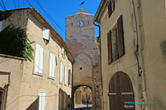 Noves, clock-tower