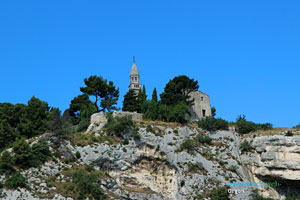 Orgon, clocher de Notre Dame de Beauregard