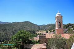 Peypin, clocher et paysage