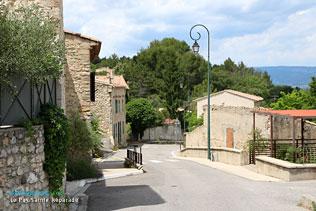 Le Puy Sainte Réparade, rue