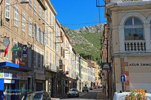 Roquevaire, grande rue