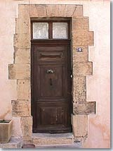 Simiane-Collongue, old door